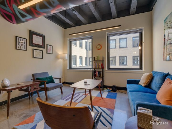 Private Office for 5+ in Wicker Park Photo 3