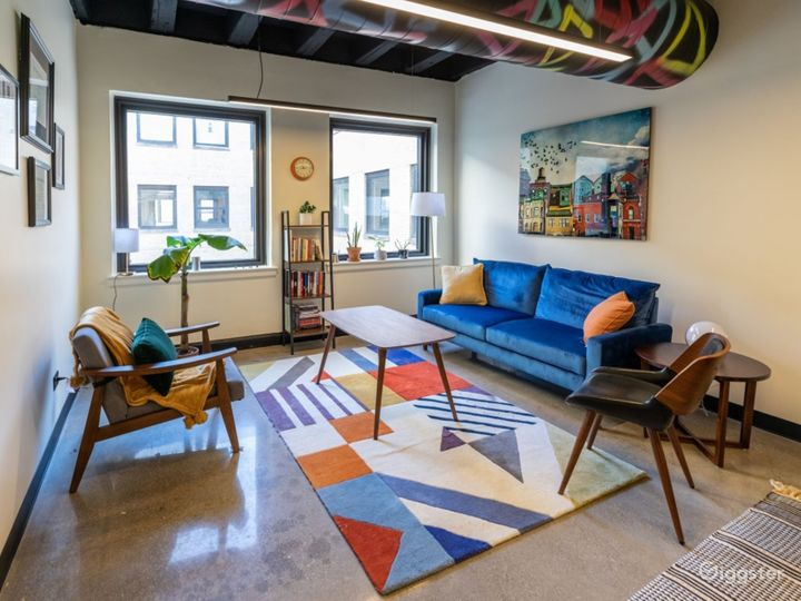 Private Office for 5+ in Wicker Park Photo 2