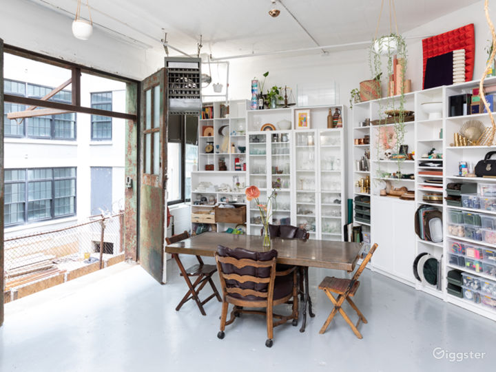 Plant-filled Artist Loft with Props + Surfaces Photo 5