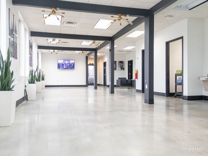Event Hall + Modern Lounge and Café Area Photo 5