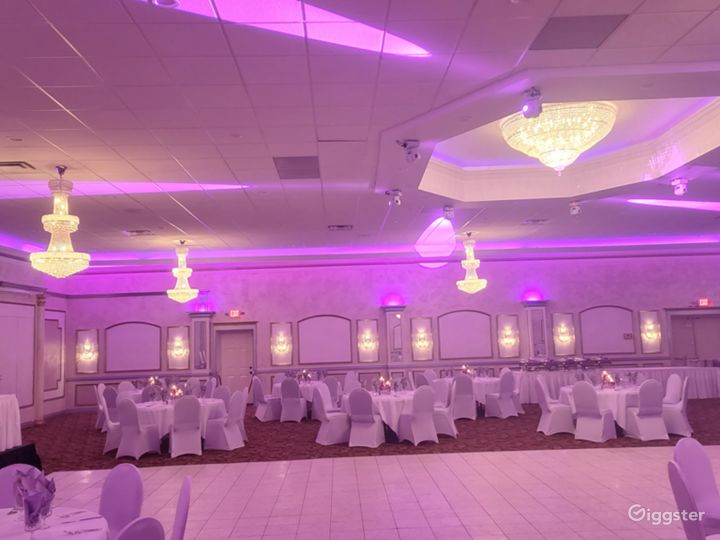 Сharming Banquet Hall in Plymouth Photo 2