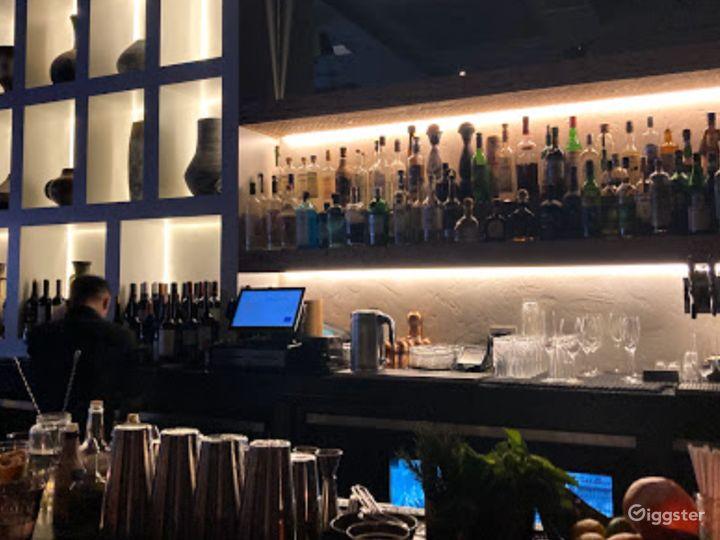 Bright and Vibrant Bar in San Francisco Photo 3