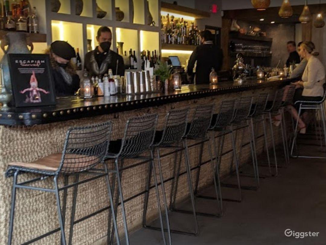Bright and Vibrant Bar in San Francisco Photo 1