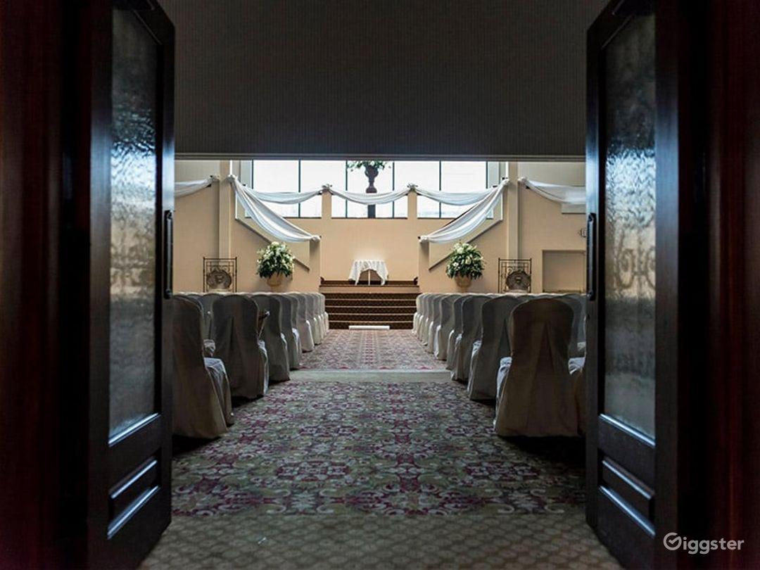 Indoor Glass-enclosed Room in Ohio Photo 1