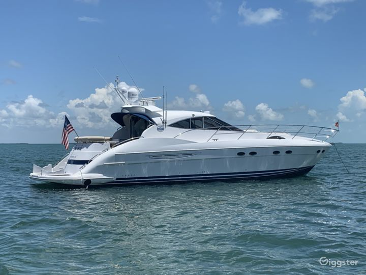 Intimate 60FT NEPTUNE Party Yacht Space Events  Photo 4