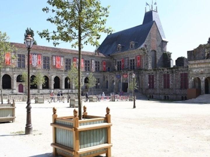 Renaissance Castle Courtyard  Photo 5