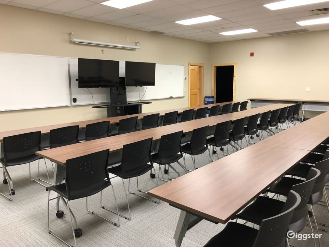The Large Conference Room  Photo 1