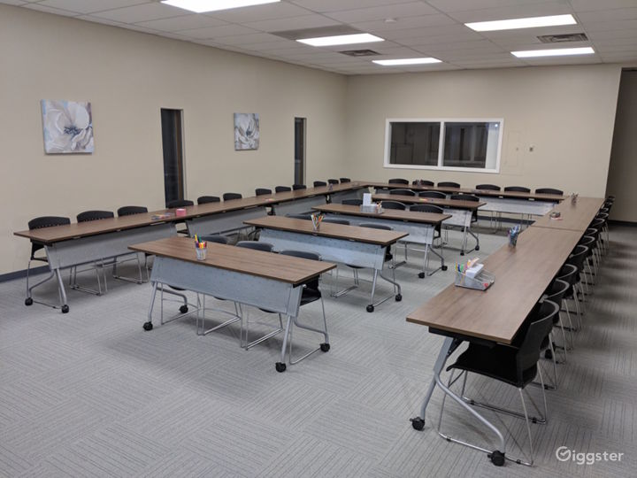 The Large Conference Room  Photo 3