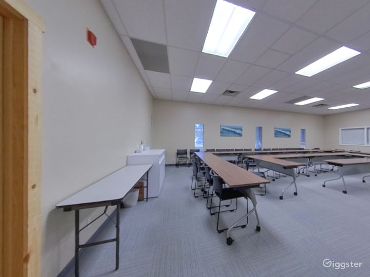 The Large Conference Room  Photo 5