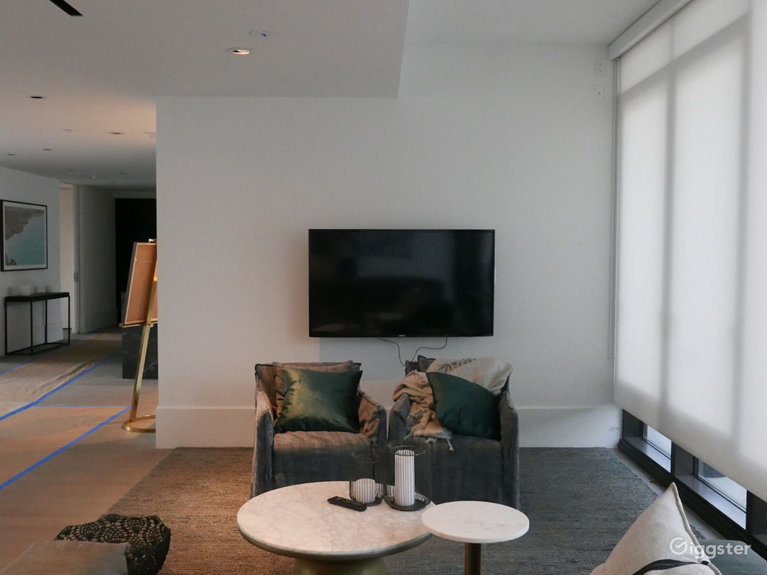 Contemporary apartment with terrace: Location 5291 Photo 1