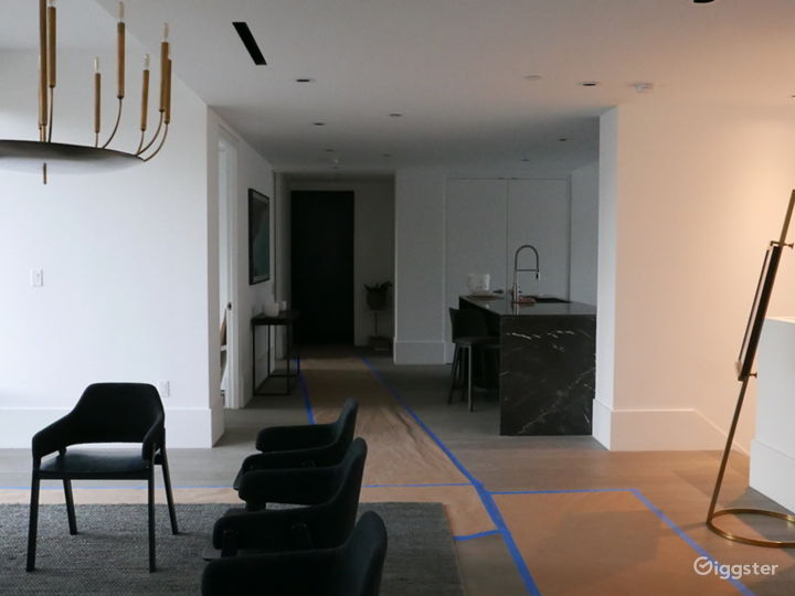Contemporary apartment with terrace: Location 5291 Photo 3