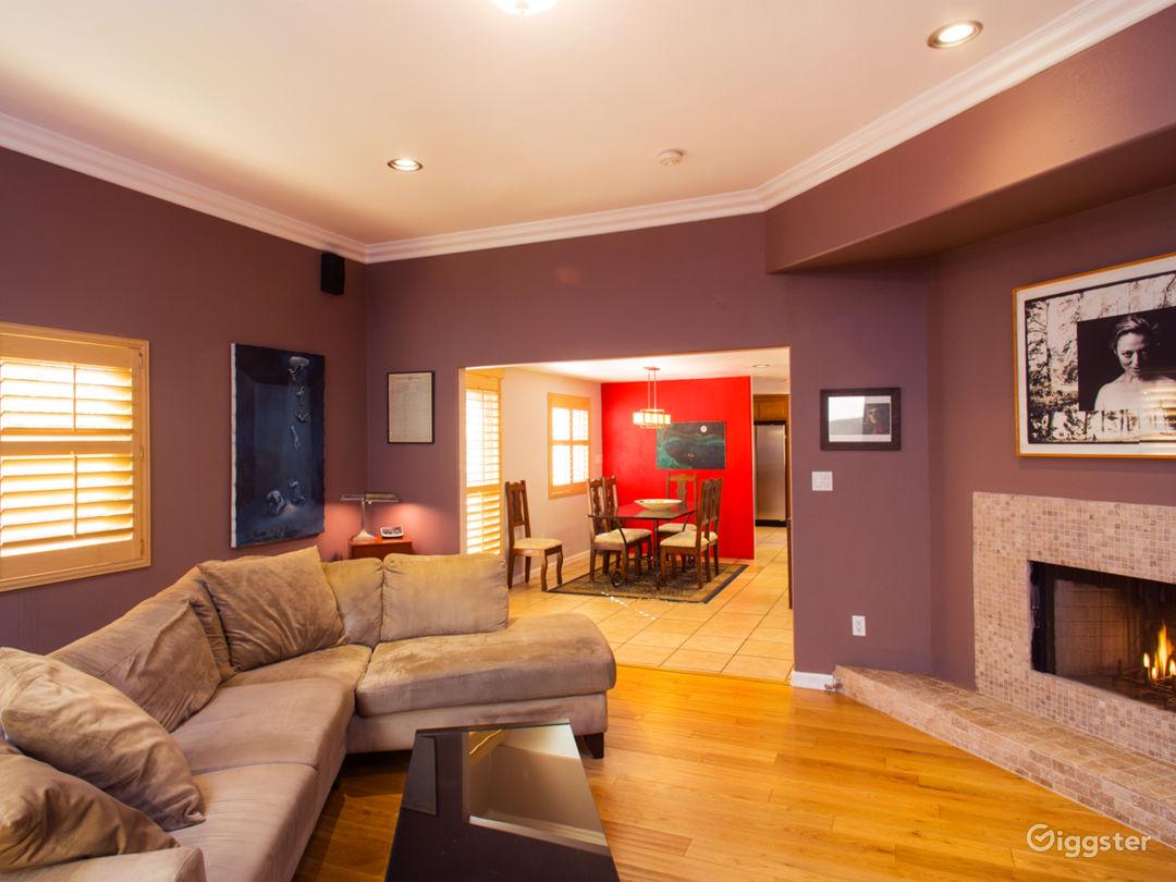 Roomy Contemporary South LA House Photo 4