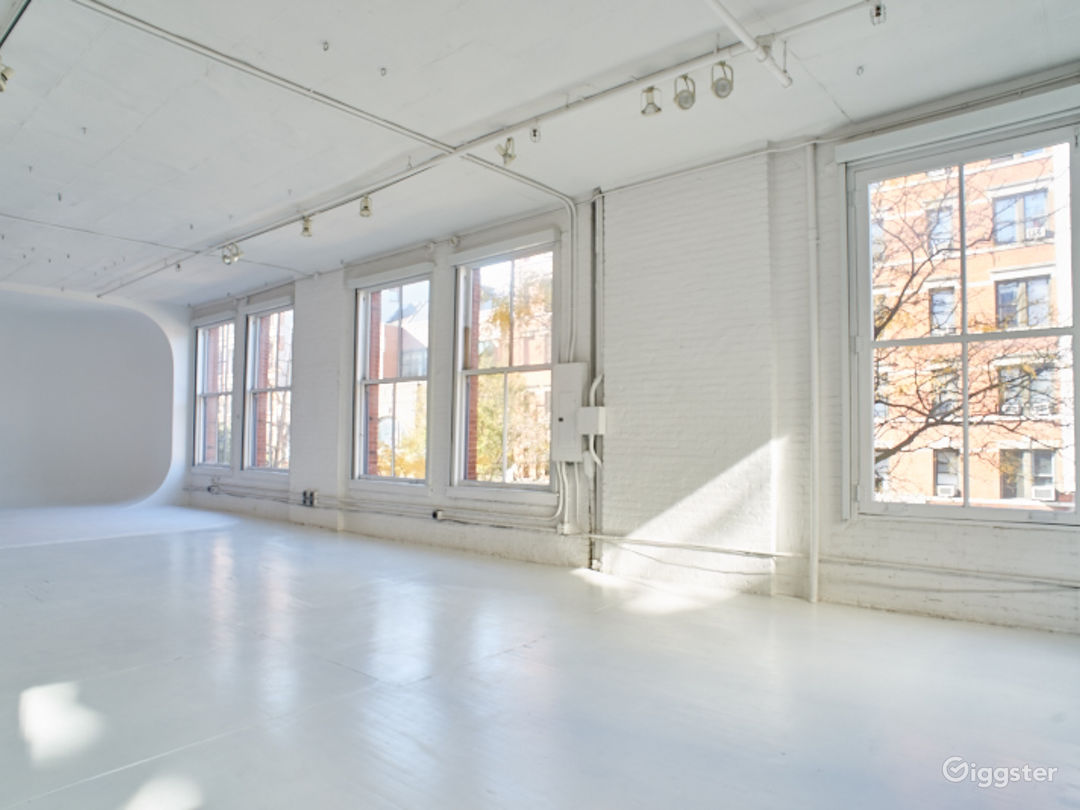 Large NYC loft: Location 5085 Photo 1