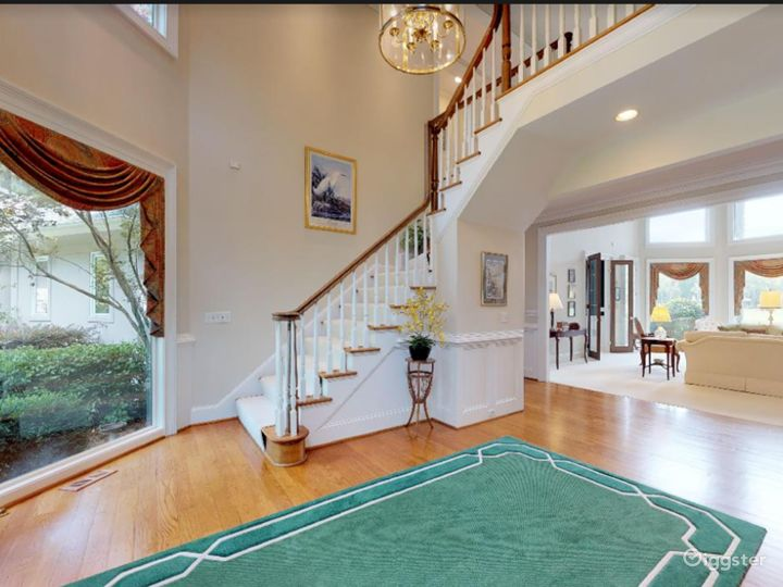 Gorgeous Waterfront Home in Savannah Area Photo 5