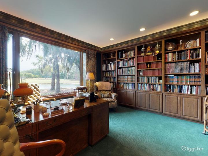 Gorgeous Waterfront Home in Savannah Area Photo 3