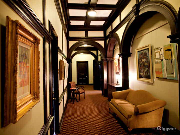 Luxurious & Historic Pittsburgh Hotel