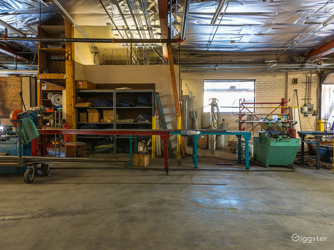 Huge Valley Factory  Photo 2