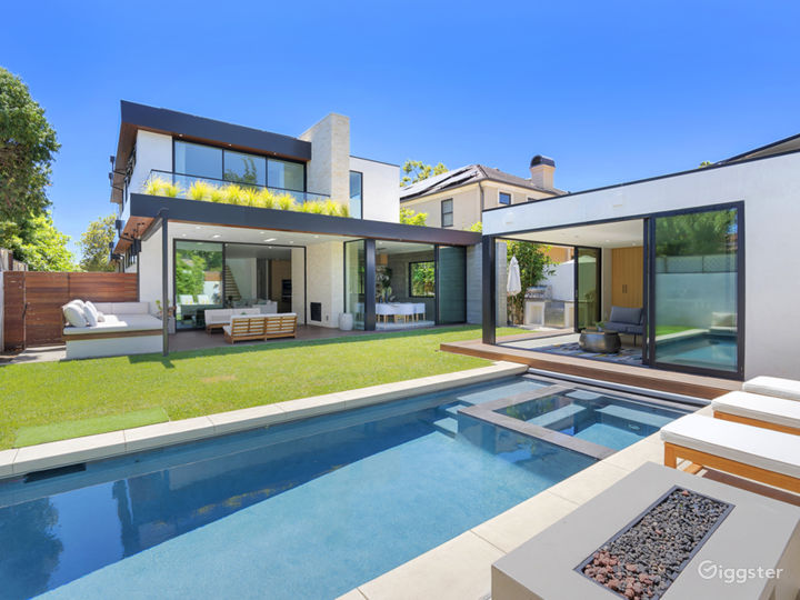 Modernist Home With Pool, Roof Deck & 2 Kitchens