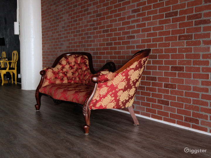 Brick Walls & Rustic Wood Floors in DTLA Photo 5