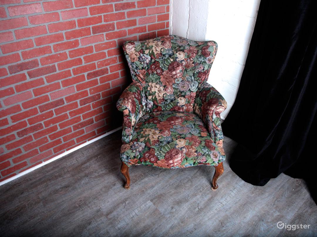 Brick Walls & Rustic Wood Floors in DTLA Photo 4