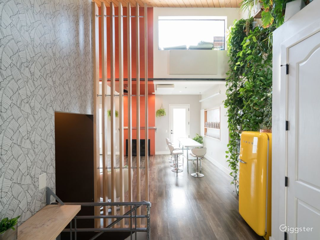 Contemporary Loft for Production + Meetings Photo 1