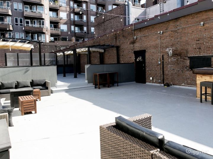 Roof deck Venue above the Urban hustle of Belltown Photo 4