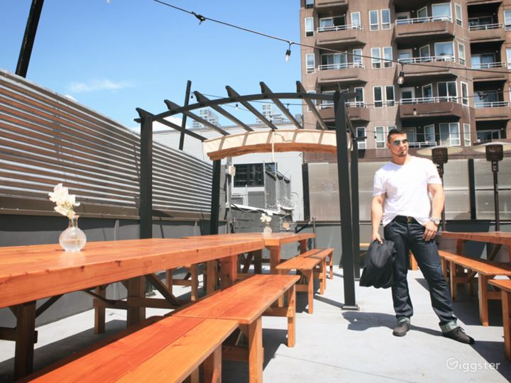 Roof deck Venue above the Urban hustle of Belltown Photo 2