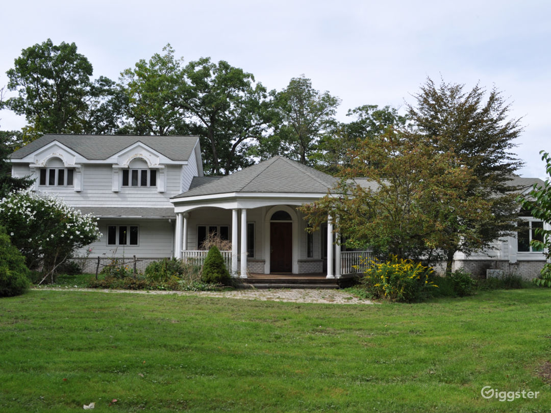 Enchanting Catskill Colonial Home On 14 Acres Photo 2