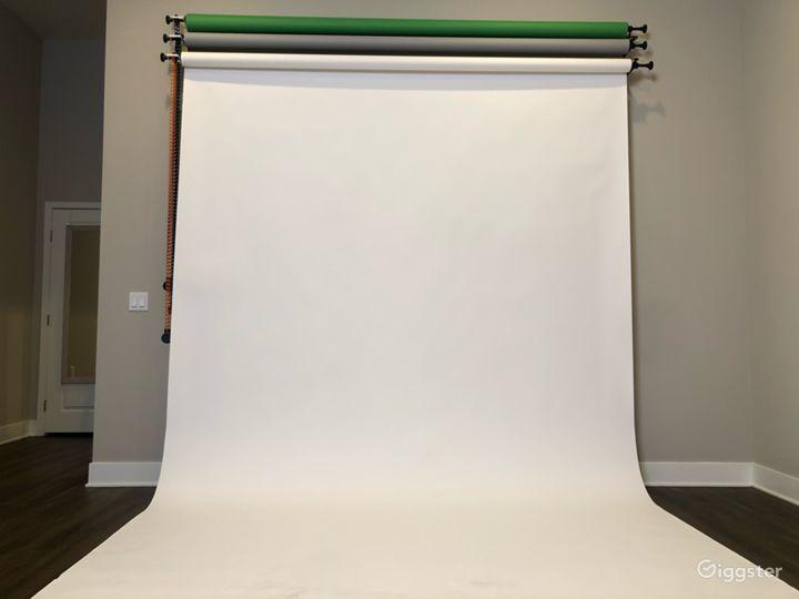 Photography Studio w/Equipment Photo 4