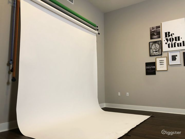 Photography Studio w/Equipment Photo 3