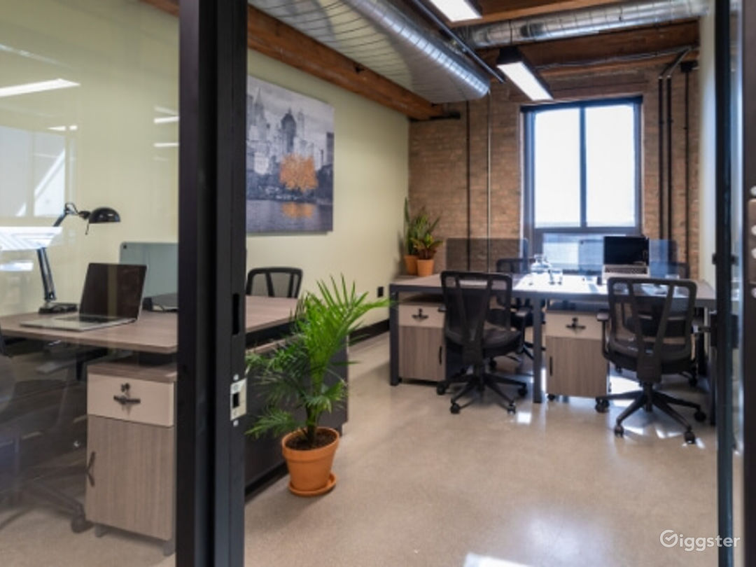 Private Office for 6-8 in Pilsen Photo 1