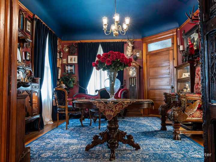 Mysterious Victorian / Craftsman with Basement Photo 4