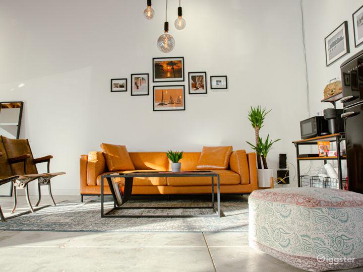 Modern Photo Studio with Natural Light Photo 5