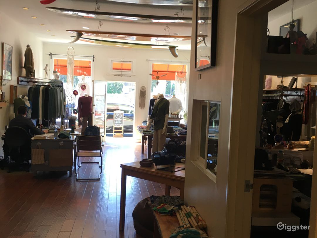 Large clothing/Apparel store in Santa Monica Photo 1
