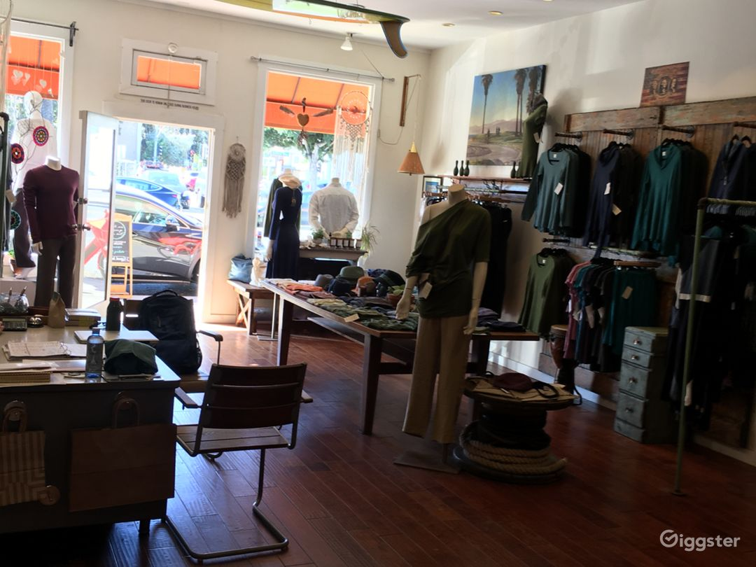 Large clothing/Apparel store in Santa Monica Photo 4