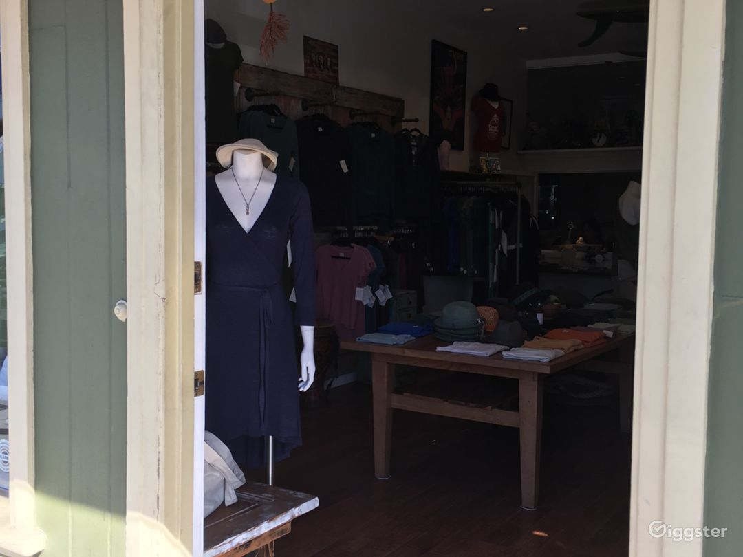Large clothing/Apparel store in Santa Monica Photo 2