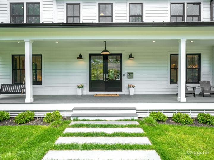 High end, bright & airy modern farmhouse near NYC Photo 3