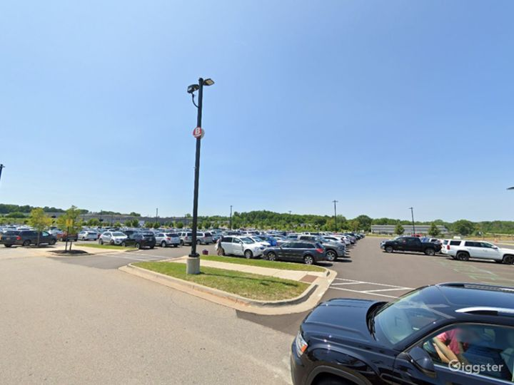 Scenic Parking Lot for Films in Grand Rapids Photo 3
