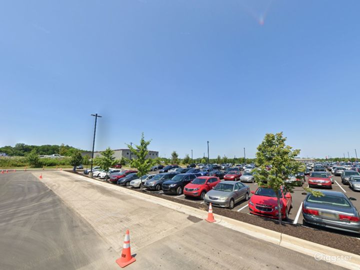 Scenic Parking Lot for Films in Grand Rapids Photo 4