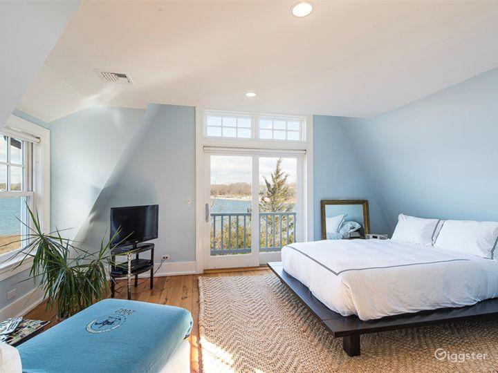 Large Hamptons estate home: Location 5114 Photo 2