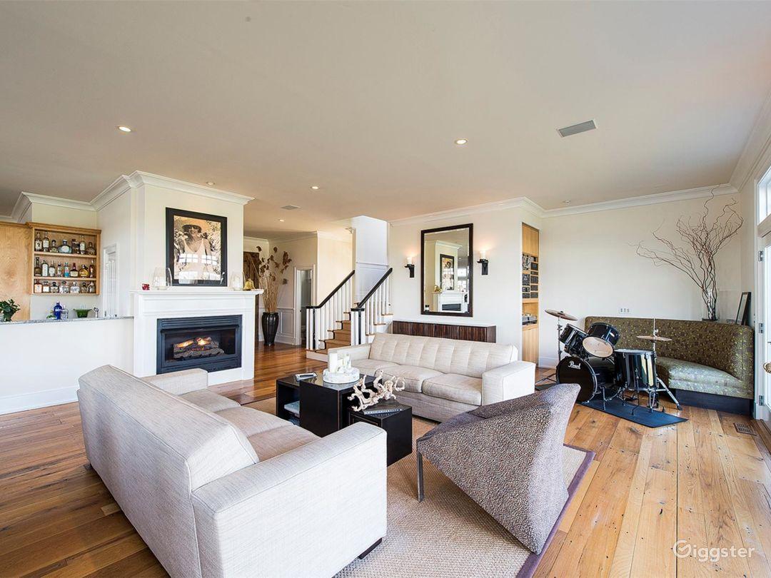 Large Hamptons estate home: Location 5114 Photo 1