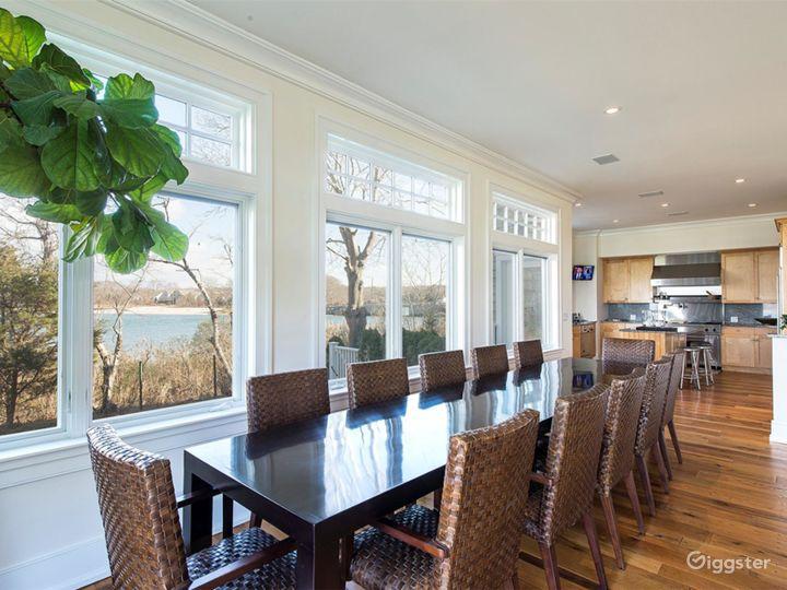 Large Hamptons estate home: Location 5114 Photo 4