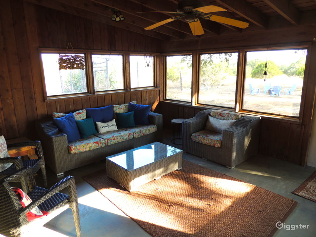 Screen porch - wider view