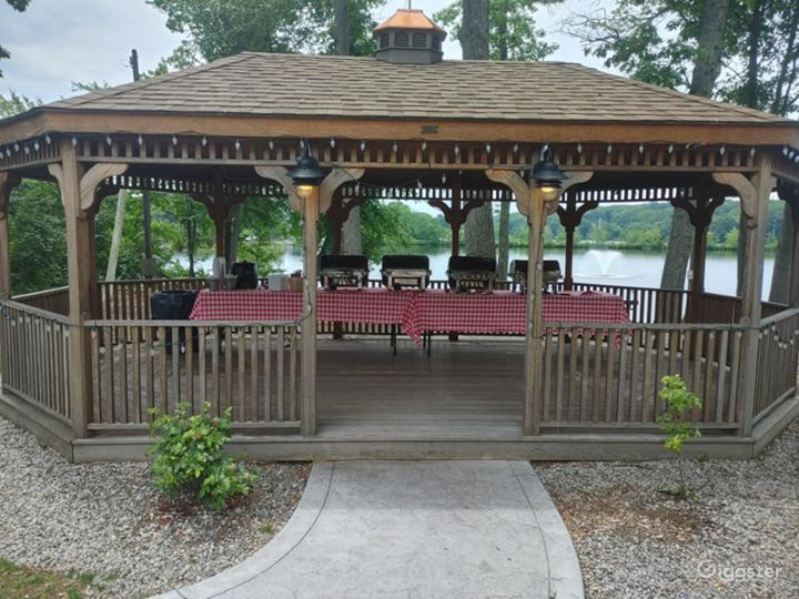 Rustic Gazebo for Photoshoots in North Providence Photo 2