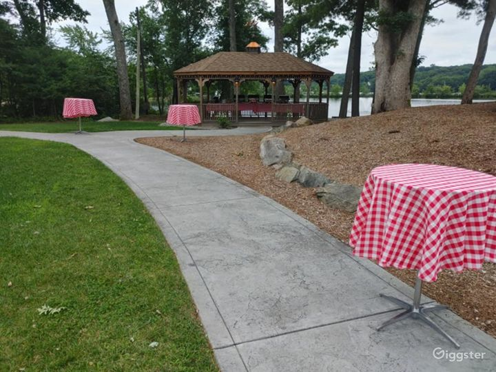 Rustic Gazebo for Photoshoots in North Providence Photo 5