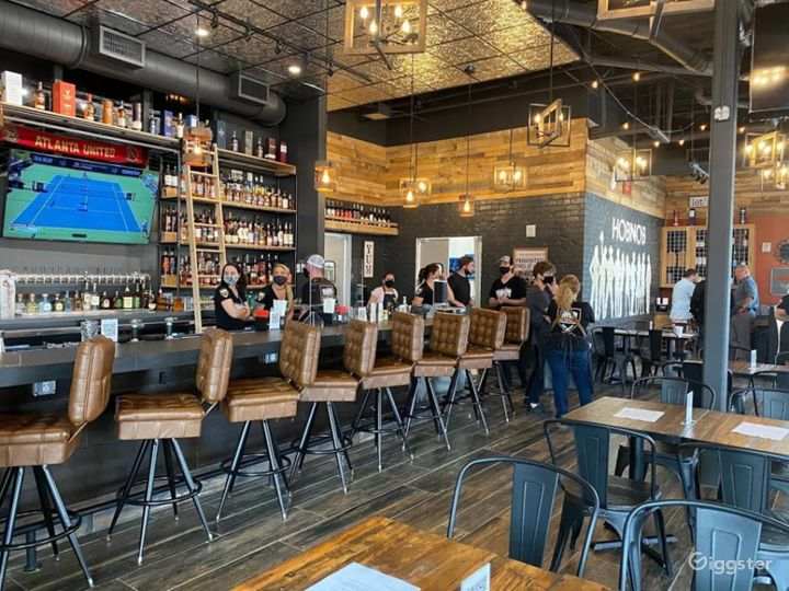 Warm and Inviting Restaurant on Alpharetta Photo 5