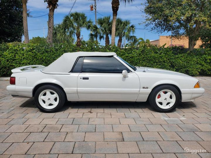 A Stunning White 1993 Ford Mustang LX 5.0 Photo 5
