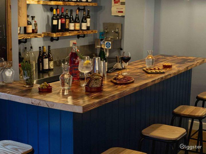 Stylish Restaurant in London Photo 4
