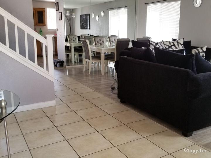 The Herrera's Elegant Home  Photo 2
