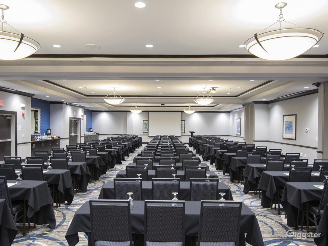 Wonderful Ballroom for your Meetings Photo 1